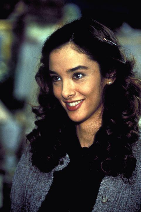 Nach dem Tod ihres Onkels Max soll Marie (Daniela Lunkewitz), laut Testament, den Harts ein kleines Päckchen überreichen ... - Bildquelle: Columbia Pictures
