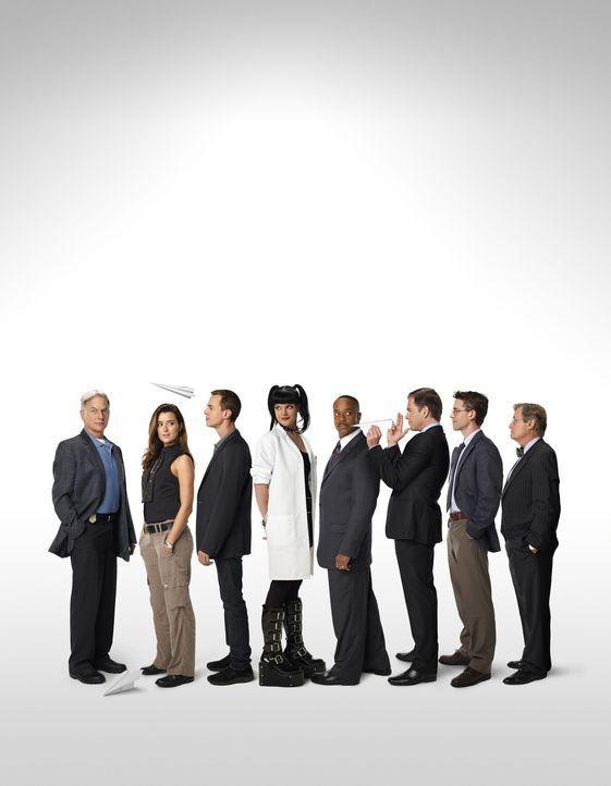(10. Staffel) - Die Mitglieder des Naval Criminal Investigation Service: Leon Vance (Rocky Carroll, 4.v.r.), Tim McGee (Sean Murray, 3.v.l.), Dr. Do... - Bildquelle: CBS Television