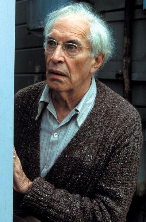 Harry Trimble (Martin Landau) ist überzeugt, dass sein Sohn nach vielen Jahren wieder heimgekehrt ist ... - Bildquelle: Warner Bros. Pictures