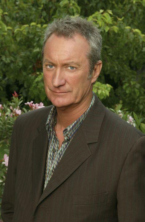 Gelingt es Hal Thorne (Bryan Brown), der neue Mann an Roses Seite zu werden? - Bildquelle: 2004 Sony Pictures Television Inc. All Rights Reserved.