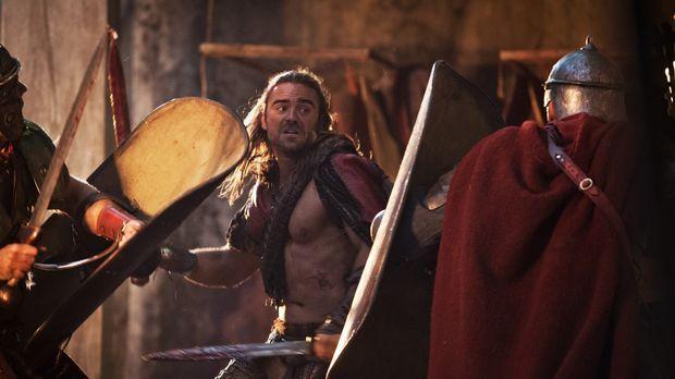 Als Römer mit Hilfe eines Tricks in die Stadt kommen, muss Gannicus (Dustin C...