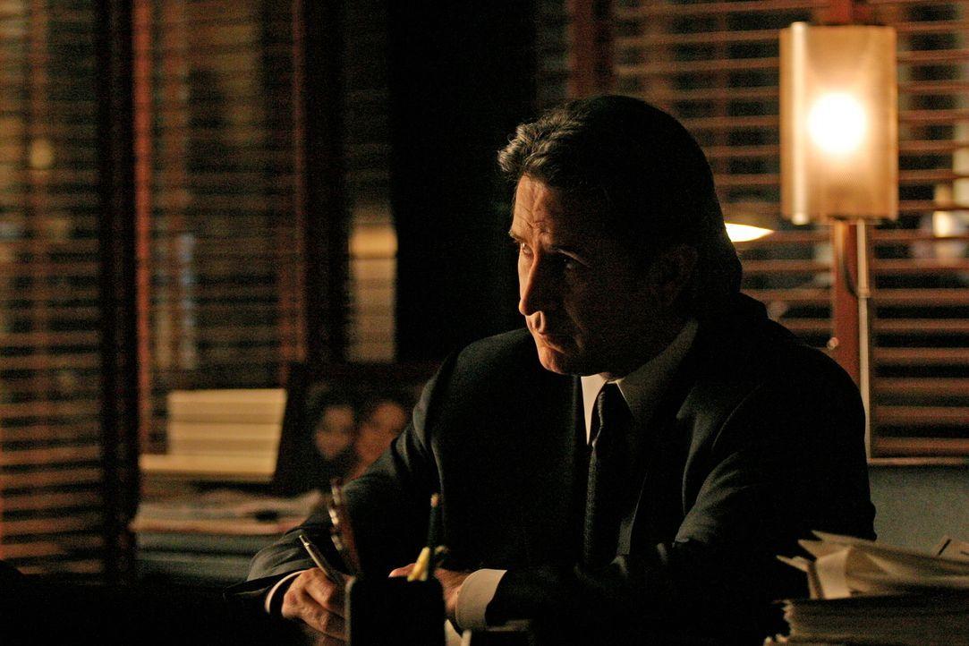 Jack Malone (Anthony LaPaglia) ist ratlos, was den Fall der verschwundenen Jessica betrifft ... - Bildquelle: Warner Bros. Entertainment Inc.