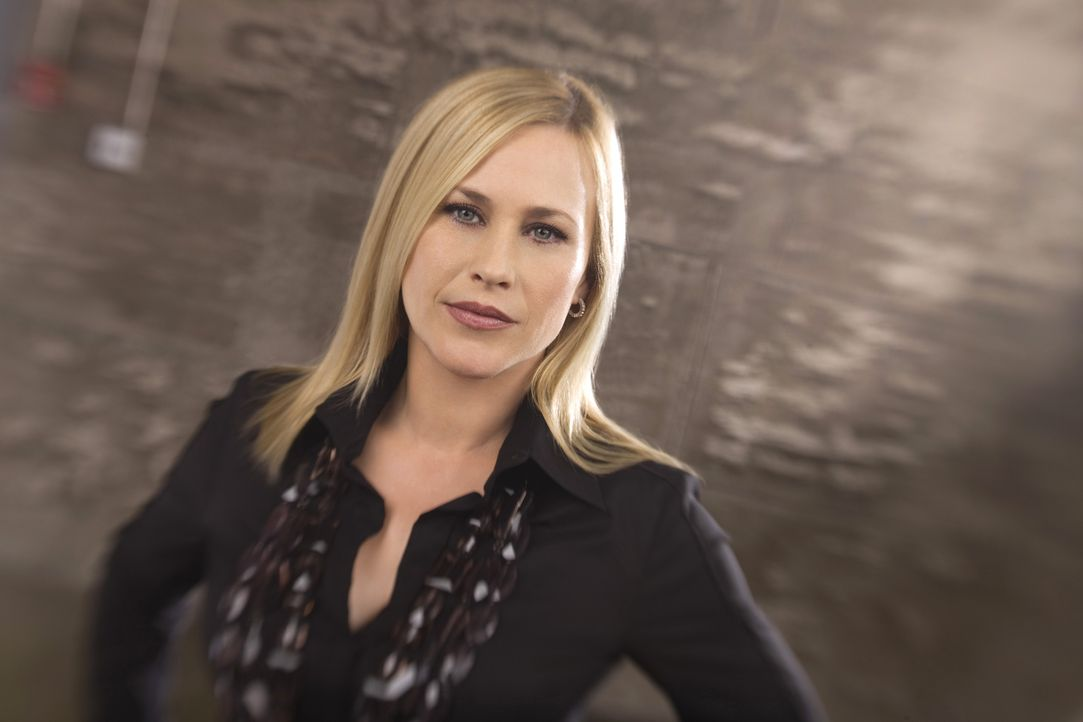 (5. Staffel) - Mittels ihrer parapsychologischen Fähigkeiten klärt Allison Dubois (Patricia Arquette) Verbrechen auf - Bildquelle: Paramount Network Television
