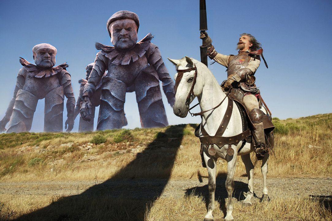 Don Quichotes (Christoph Maria Herbst) Augen lodern auf vor Kampfeslust, für ihn dröhnen die Kriegstrommeln jetzt ohrenbetäubend laut. Doch seine Ge... - Bildquelle: Christian Hartmann Sat.1