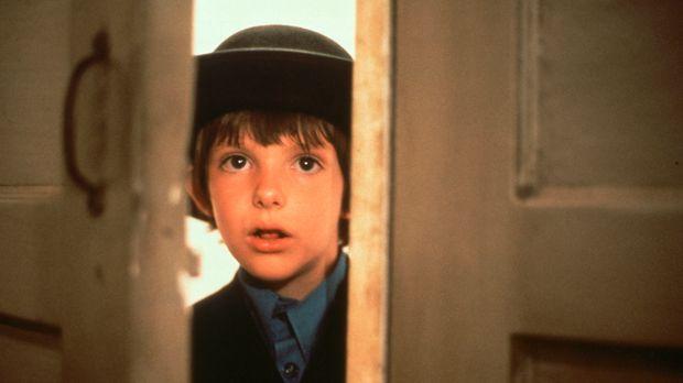 Auf dem Bahnhof in Philadelphia wird der 8-jährige Sam (Lukas Haas) einziger...