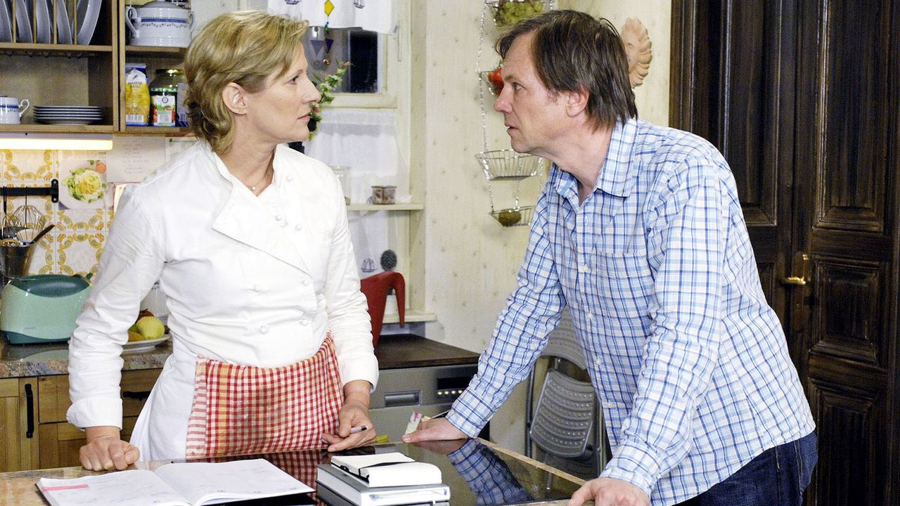 Anna-und-die-Liebe-Folge-40-05-sat1-oliver-ziebe - Bildquelle: SAT.1/Oliver Ziebe