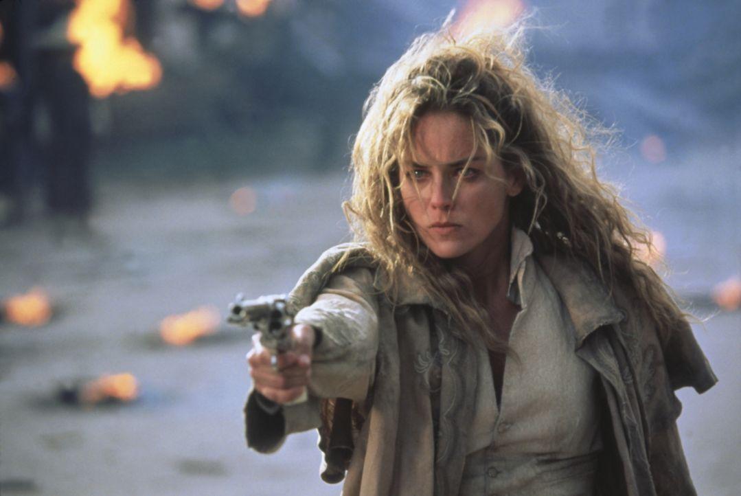 Das mutig Cowgirl Ellen (Sharon Stone) kehrt unerkannt in ihre Heimatstadt zurück, um ihren Vater zu rächen ... - Bildquelle: Columbia TriStar Film