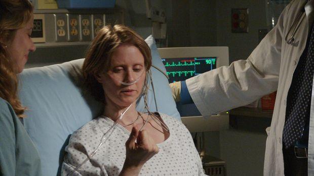 Die dreifache Mutter Ellie Shore (Cynthia Nixon) erleidet einen Schlaganfall....