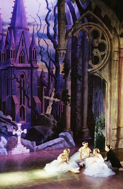 Angel hat Karten für ein klassisches Ballett besorgt. - Bildquelle: 20th Century Fox. All Rights Reserved.
