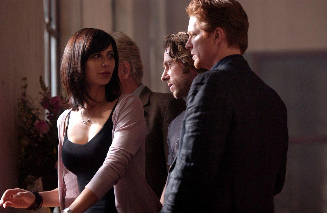 Geraten in geheimnisvolle Vorkommnisse: (v.l.n.r.) Emily (Catherine Bell), Bruce (Michael Rodgers) und Howard (Eric Stoltz) ... - Bildquelle: The Sci-Fi Channel