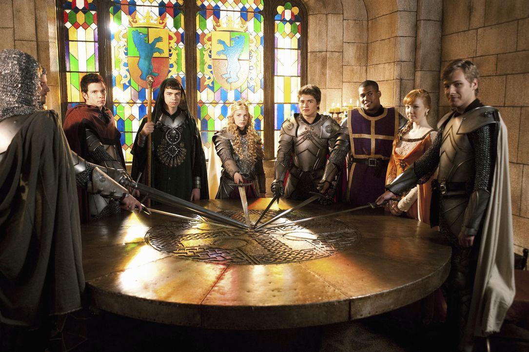 König Artus und Merlin sind zurückgekehrt: (v. r. n. l.) Sean (Anthony Ingruber), Jen (Molly C. Quinn), Lance (Christopher Tavarez), Will (Gregg Sul... - Bildquelle: Geoff Short 2010 Disney Enterprises, Inc. All rights reserved.