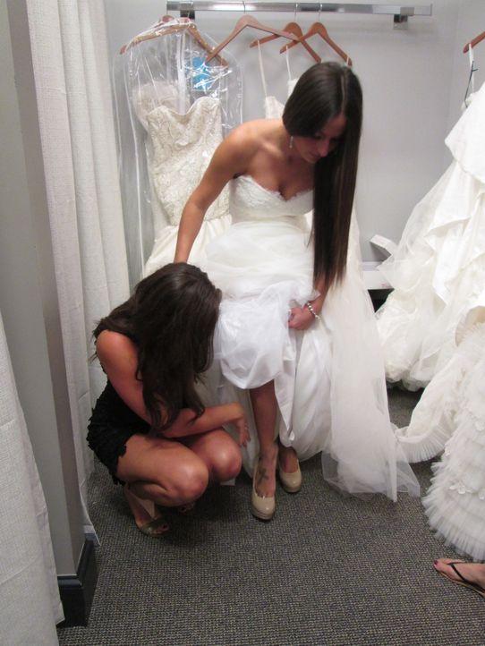 Während Jasmine ein Kleid sucht, das sie sich leisten kann, muss sich Brianna mit einer neidischen Schwester auseinandersetzen und Alida hat Angst w... - Bildquelle: TLC