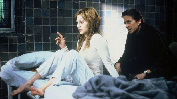 Elisabeth (Brittany Murphy, l.) soll dem Jugend-Psychiater Dr. Nathan Conrad...