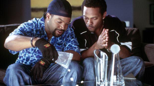Kopfgeldjäger Bucum (Ice Cube, l.) will endlich Geld ranschaffen. Diese Geleg...