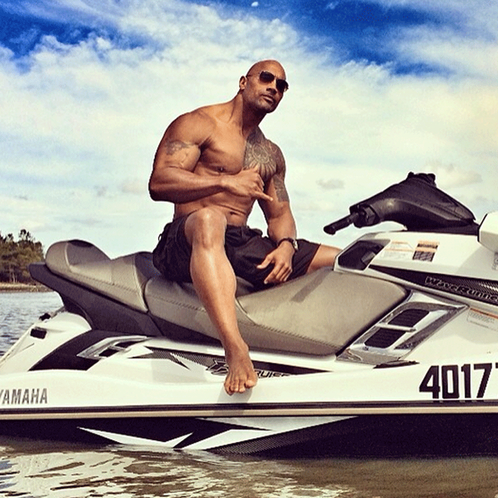 Platz 17 der heißesten Männer oben ohne: Dwayne Johnson - Bildquelle: Instagram(TheRock)