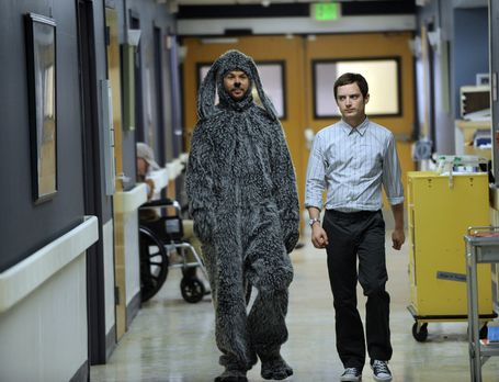 Wilfred - Um Jenna zu beeindrucken, will Ryan (Elijah Wood, r.) ehrenamtlich...