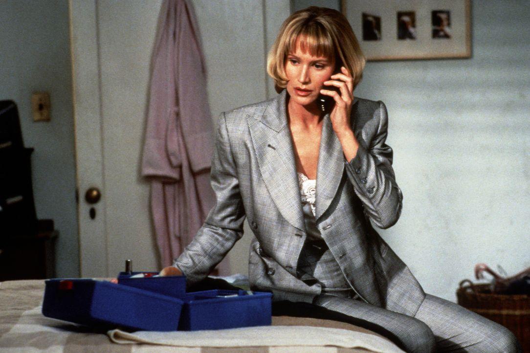Kann die Polizeipsychologin Madison Carter (Kelly Lynch) dem virtuell erzeugten Serienkiller das Handwerk zu legen? - Bildquelle: Paramount Pictures