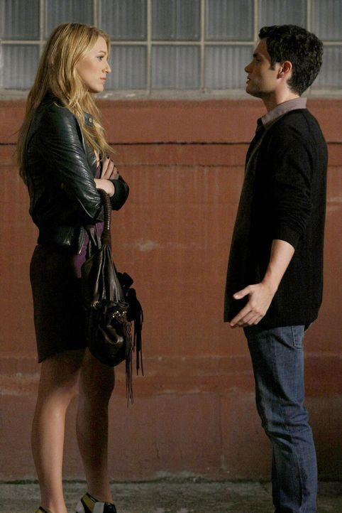 Versuchen Freunde zu werden: Serena (Blake Lively, l.) und Dan (Penn Badgley, r.) ... - Bildquelle: Warner Brothers