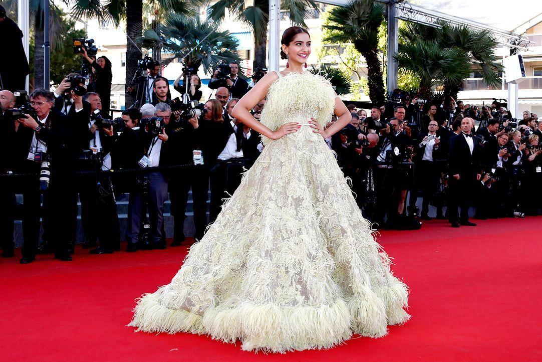 Cannes-Film-Festival-Sonam-Kapoor-150518-01-dpa - Bildquelle: dpa