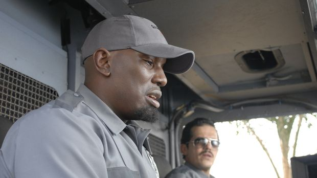 Der skrupellose Gangster Adell Baldwin (Tyrese Gibson, l.) zwingt Geldtranspo...