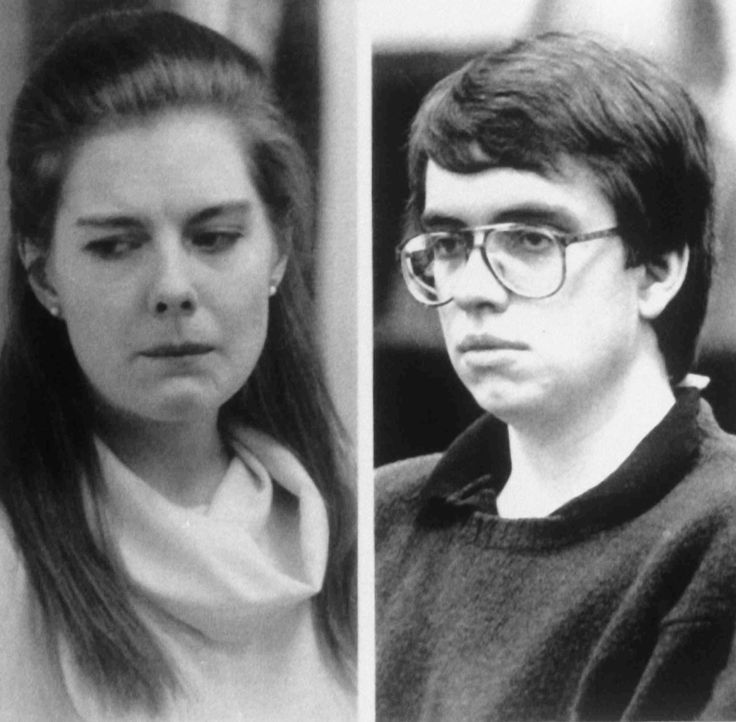 Elisabeth Haysom (l.) und Jens Soering (r.) verüben einen fast perfekten Mord und werden erst Jahre später als Mörder von Elizabeth' Eltern überführ... - Bildquelle: 2013 NBCUniversal ALL RIGHTS RESERVED.