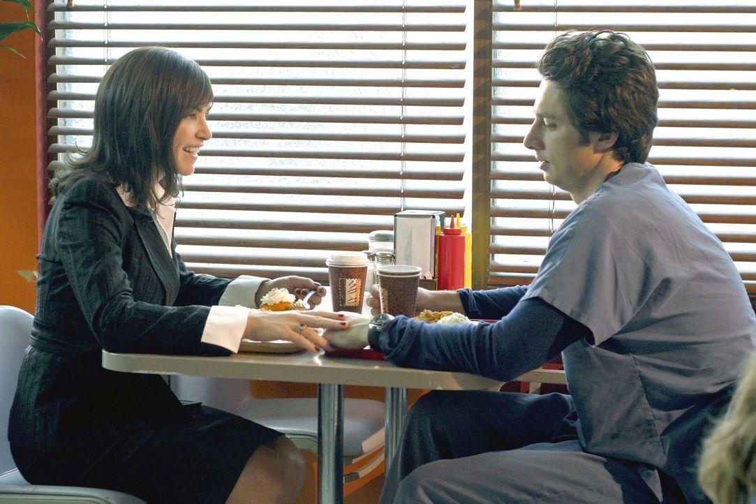 J.D. (Zach Braff, r.) hat eine neue Freundin, was allerdings von seinen Freunden als Horrornachricht aufgenommen wird, da Neena Broderick (Julianna... - Bildquelle: Touchstone Television