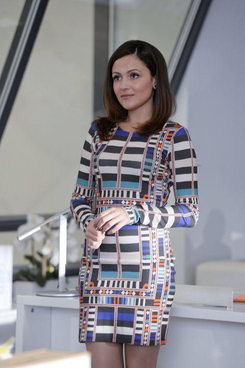Die neue Assistentin bei CatCo, Siobhan Smythe (Italia Ricci), hat große Ambitionen: Sie will die nächste Cat Grant werden ... - Bildquelle: 2015 Warner Bros. Entertainment, Inc.