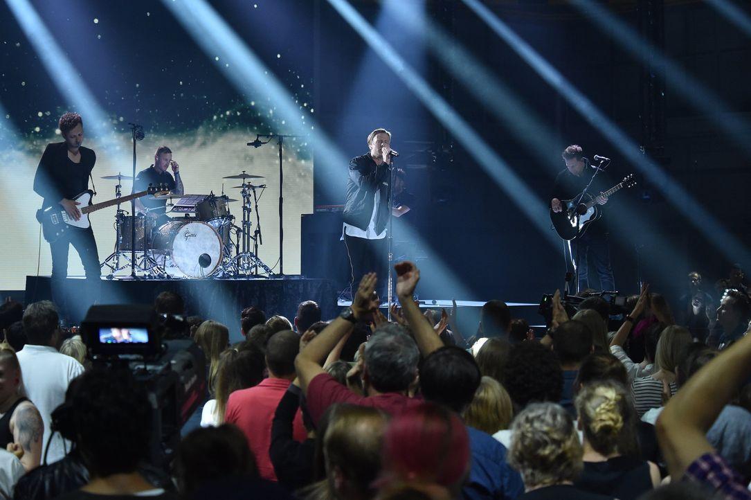 OneRepublic performen einen Song, der sie geprägt hat, auf eine ganz neue Art ... - Bildquelle: Andre Kowalski ProSieben