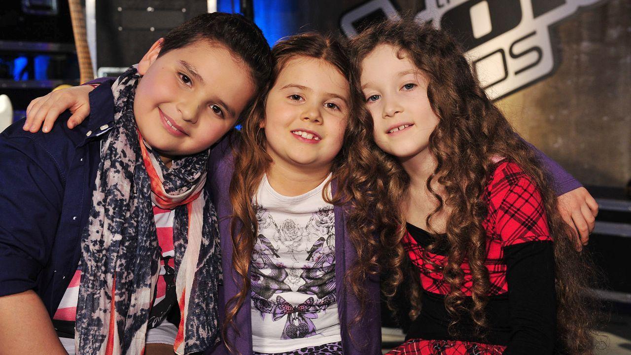 The-Voice-Kids-Stf02-Epi05-Salvatore-Larissa-EmmieLee-30-SAT1-Andre-Kowalski - Bildquelle: SAT.1/Andre Kowalski