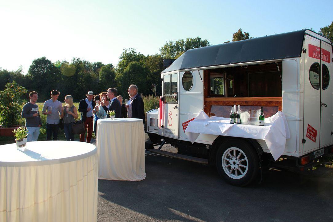 """Zum Restaurant """"Cooky's Maikotten"""" gehört ein riesiger Garten, der zusammen mit dem Innenraum des Lokals Platz für rund 300 Gäste bietet. Doch die m... - Bildquelle: kabel eins"""