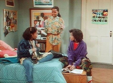 Bill Cosby Show - Vanessa (Tempsett Bledsoe, M.) bewundert den neuen Look ihr...