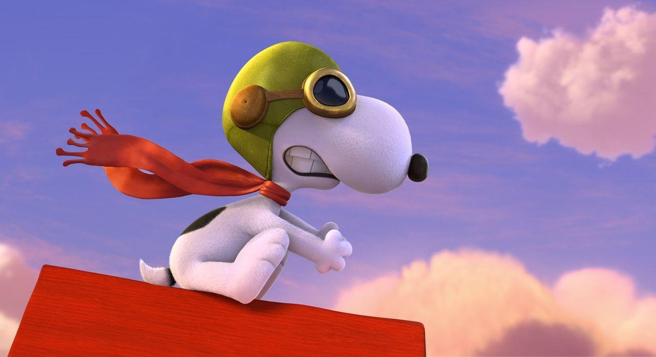 Inspiriert von Linus' Fliegermodell schreibt Snoopy auf einer Schreibmaschine einen Roman über einen heldenhaften Piloten im Kampf des ersten Weltkr... - Bildquelle: 2015 Twentieth Century Fox Film Corporation.  All rights reserved.  PEANUTS   2015 Peanuts Worldwide LLC.
