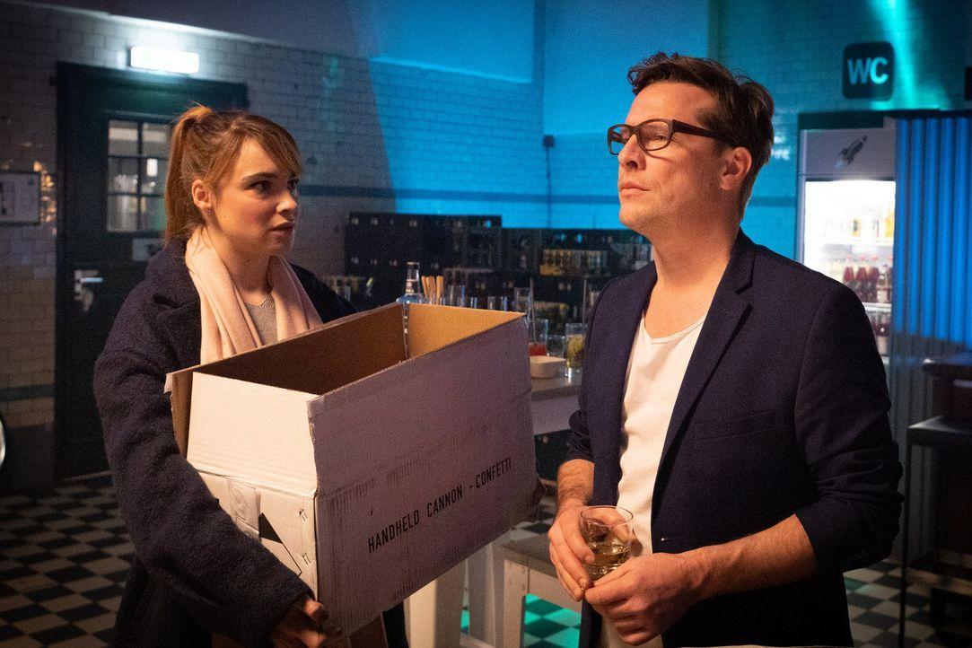 Kirstin Mahler (Laura Maria Heid, l.); Patrick Körner (Florian Panzner, r.) - Bildquelle: Christoph Assmann SAT.1/Christoph Assmann
