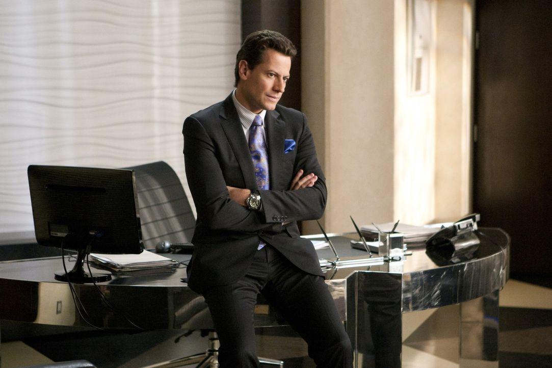 Andrew Martin (Ioan Gruffudd) ist froh, dass seine Tochter Juliet zur Vernunft gekommen ist - zumindest hat er den Eindruck ... - Bildquelle: 2011 THE CW NETWORK, LLC. ALL RIGHTS RESERVED
