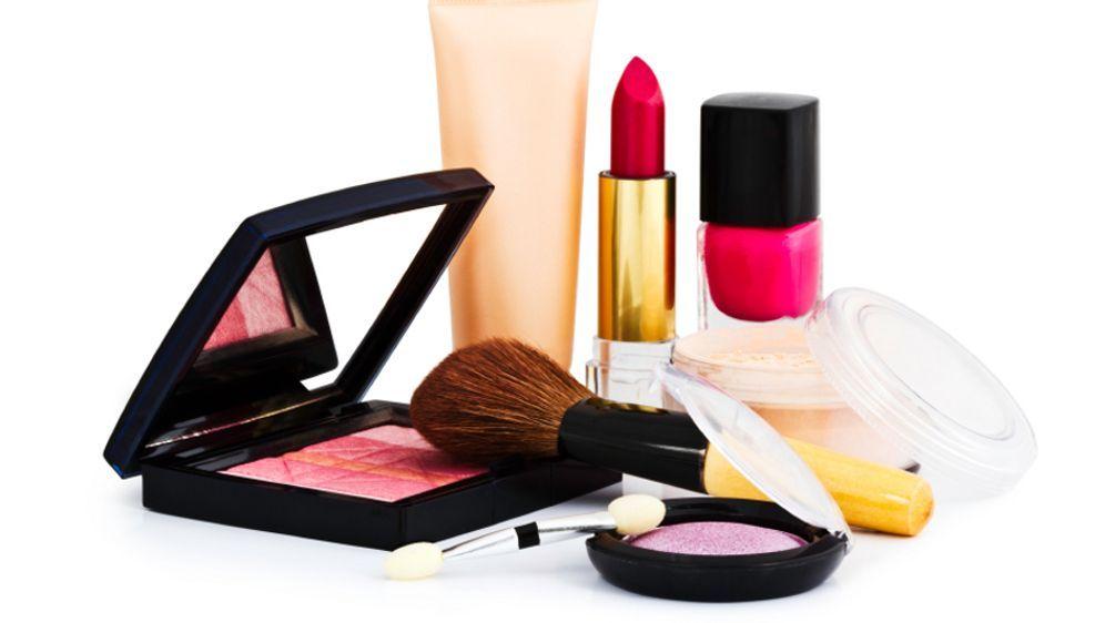 Kosmetikprodukte: Lange haltbar oder schon verdorben? - Bildquelle: iStockphoto