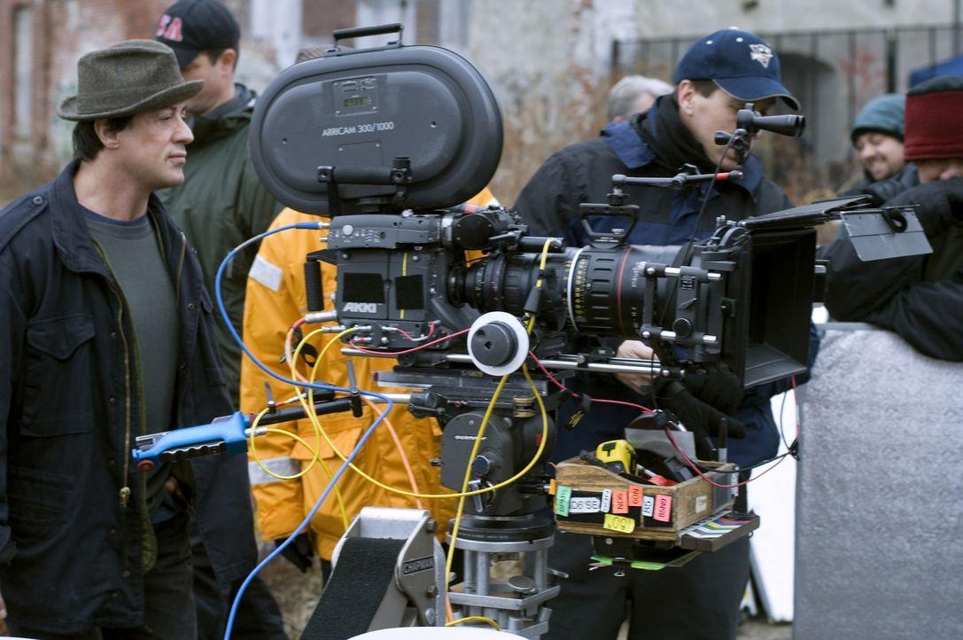 """Gleichzeitig Regisseur und Hauptdarsteller: Sylvester Stallone während der Dreharbeiten zu """"Rocky Balboa""""."""