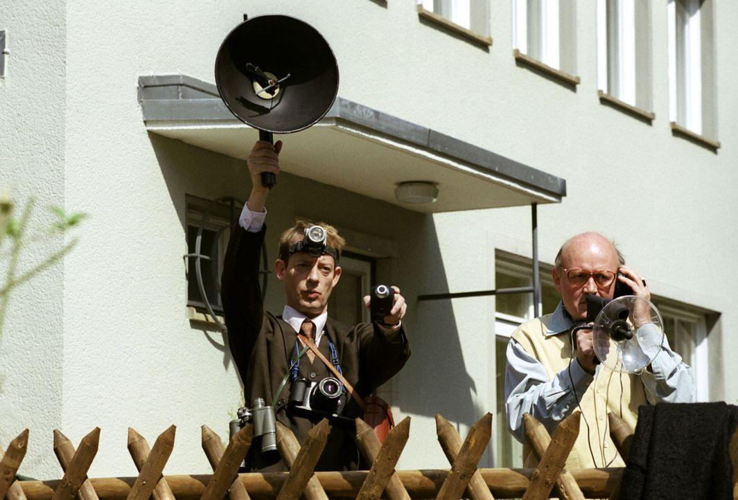 Sandras aktueller Fall handelt von Werner Ziebel und dessen burmesischen Zierhahn Enrico. Sein Nachbar beschwert sich über das morgendliche Gekrähe.... - Bildquelle: Hardy Spitz Sat.1