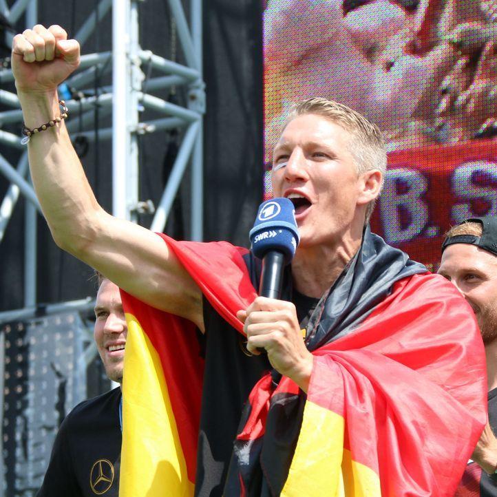 Weltmeister 2014: Die TOP15 Bilder von der Fanmeile in Berlin: Platz3 - Bildquelle: WENN