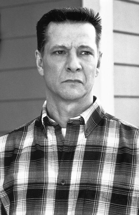 Lebt in einer verlogenen Scheinwelt: Col. Frank Fitts (Chris Cooper) ... - Bildquelle: Lorey Sebastian TM+  1999 DreamWorks LLC. All Rights Reserved.