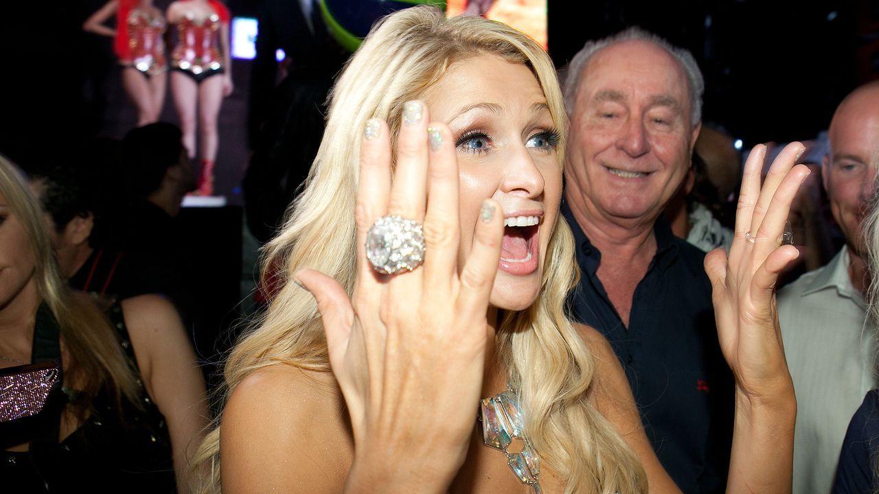 Paris Hilton feiert im Pacha auf Ibiza - Bildquelle: Frank Altmann/WENN.com