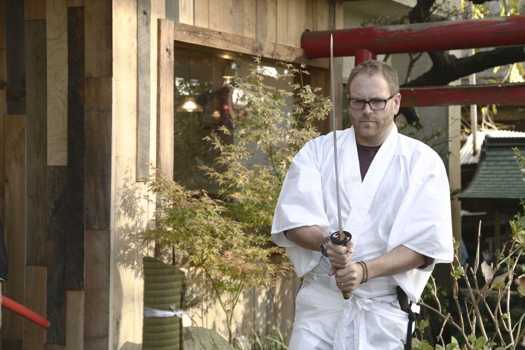 Josh Gates reist nach Japan, um dort das verschollene mystische Honjo-Schwert zu finden. Dabei lernt er einiges über die Kampfkunst ... - Bildquelle: 2015, The Travel Channel, L.L.C. All Rights Reserved.