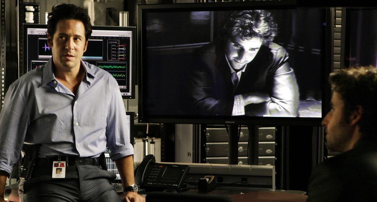 Denken über den Sinn des Lebens nach: Don (Rob Morrow, l.) und Charlie (David Krumholtz, r.) ... - Bildquelle: Paramount Network Television