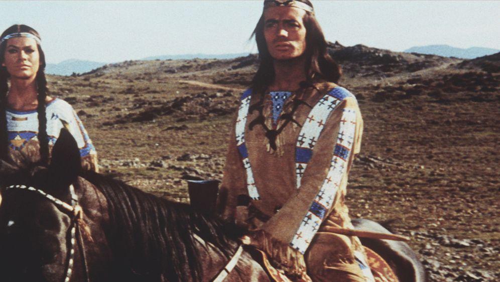 Winnetou und sein Freund Old Firehand - Bildquelle: Columbia Pictures