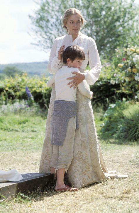 Als Sylvia (Kate Winslet, r.) schwer krank wird, bricht für ihren Sohn Peter (Freddie Highmore, l.), der gerade wieder Hoffnung auf ein wenig Glüc... - Bildquelle: Miramax Films. All rights reserved