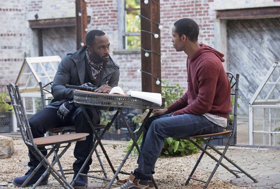 Trey (Mykel Shannon Jenkins, l.) macht Xander (Demetrius Bridges, r.) klar, nach welchen Regeln er zu spielen hat ... - Bildquelle: Warner Brothers