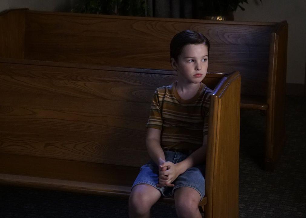 Liefert sich ein Battle über Glauben oder Wissenschaft mit dem Pastor: Sheldon (Iain Armitage) ... - Bildquelle: Warner Bros.