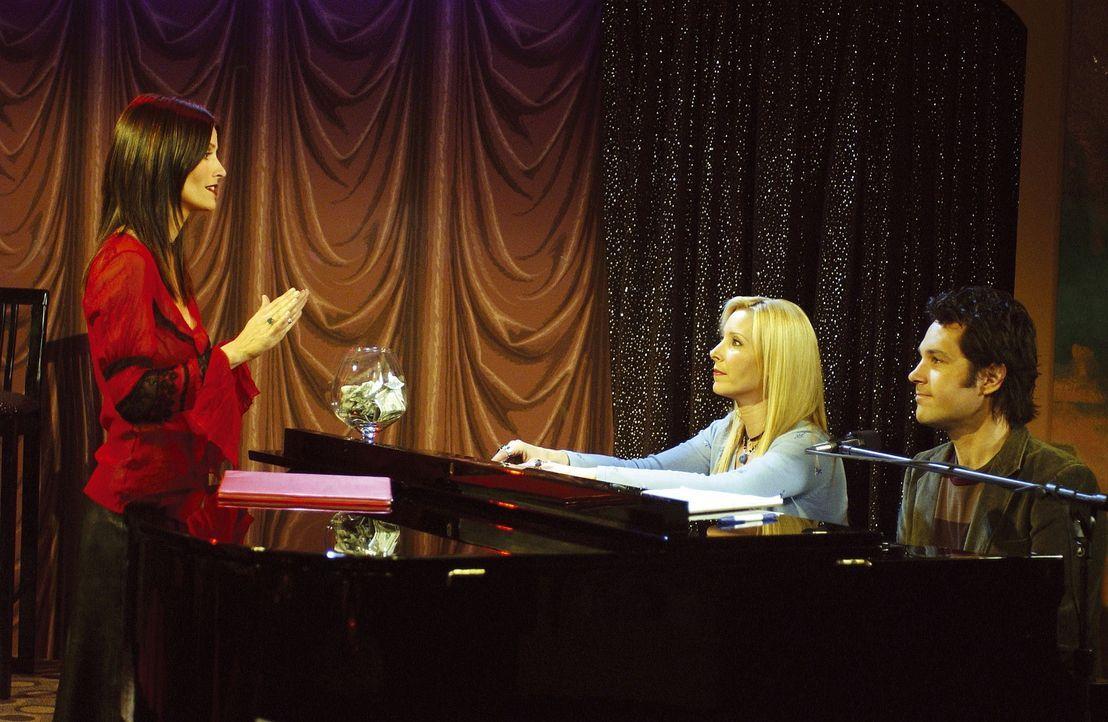 Monica (Courteney Cox, l.) fühlt sich sehr wohl auf der Bühne und will nun gar nicht mehr runter ... - Bildquelle: TM+  2000 WARNER BROS.
