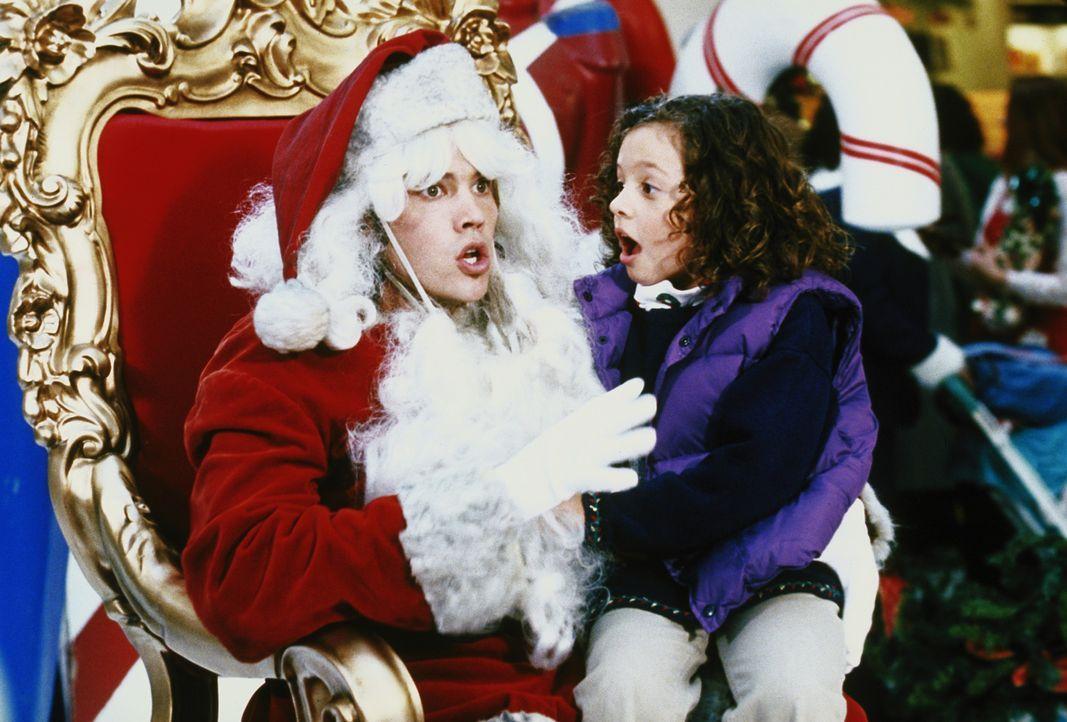 Matt (Barry Watson, l.) arbeitet im Kaufhaus als Weihnachtsmann und wird von Ruthie (Mackenzie Rosman, r.) entlarvt ... - Bildquelle: The WB Television Network