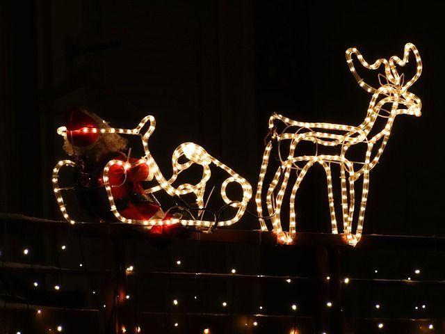 Verstaubte WeihnachtskistenEin Blick in die Weihnachtskiste und eurerH...