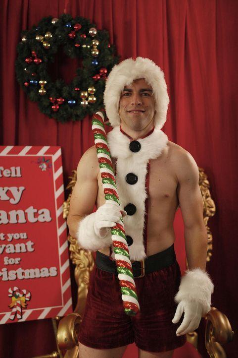 Ein Weihnachtsmann der ganz besonderen Art: Schmidt (Max Greenfield) ... - Bildquelle: 20th Century Fox